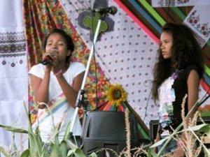 Фото: Заради виступів сестри Рафанумізана жертвують розвагами