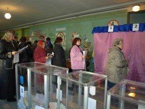 Фото: Сім бюлетенів – можлива причина повільного підрахунку голосів та перемоги Совісті України