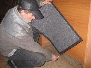Фото: Полтавський палій дверей не має психічних відхилень, але має психологічні проблеми