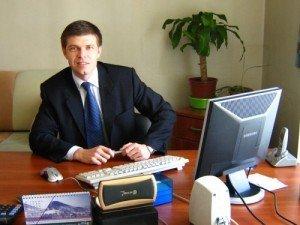 Фото: Олександр Мамай хоче відібрати нагороди, видані екс-мером Андрієм Матковським