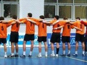 Фото: Гандбол, відбір на Чемпіонат Світу – 2011: Перша перемога українців у Полтаві