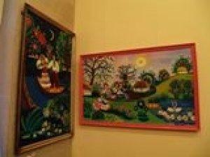 Фото: Художниці з Полтавщини не дають великого залу для виставки її робіт