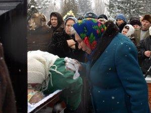 Фото: У Полтаві поховали колишнього мера Анатолія Кукобу