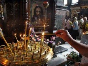 Фото: У полтавських церквах ціни на послуги коливаються від 5 до 350 гривень