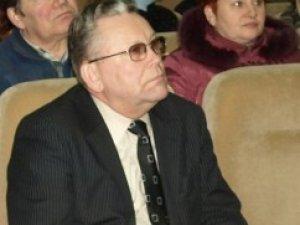 Фото: Працівники Полтавського МБК зі сльозами провели колишнього директора і одноголосно обрали нового