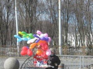 Фото: Полтаву окупували повітряні кульки