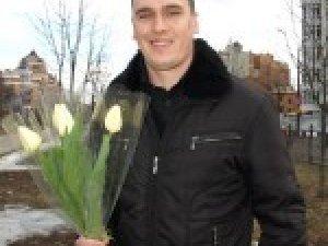 Фото: Кому полтавські чоловіки дарують квіти 8-го березня