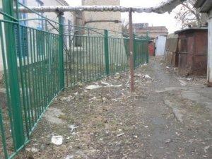 Фото: Полтавці стурбовані смітником поблизу дитячого садка