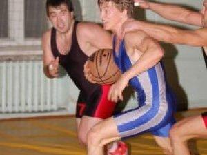 Полтавці зіграли у баскетбол без правил