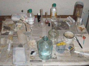 Фото: Полтавець обладнав підвал будинку для виготовлення наркотиків