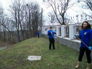 Фото: У Полтаві волонтери влаштували «суботник» у музеї