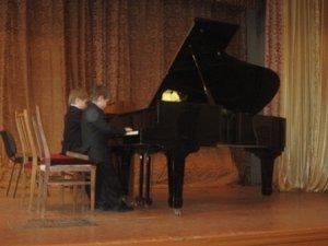 Фото: Кращі юні піаністи Полтави та області зібрались на одній сцені