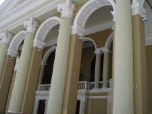 Фото: Полтавський театр імені Гоголя планують відкрити восени 2011 року