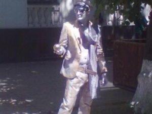 Фото: Я-Репортер. У Полтаві в центрі встановили нову скульптуру