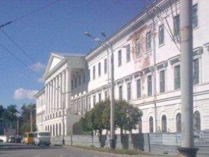Фото: Полтавcька влада буде судитися з приводу купівлі-продажу Кадетського корпусу