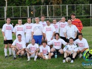 Фото: Полтавські журналісти у професійне свято грали у футбол