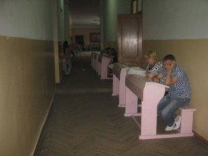 Фото: Як працюють приймальні комісії в полтавських ВНЗ:реалії  2011 року