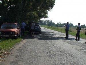 Фото: Під  Полтавою затримали групу молоді, яка їхала в авто з пістолетом на невідому зустріч