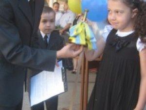 Фото: І цього року полтавські першокласники отримають шкільні набори