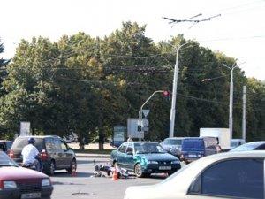 Фото: ДТП у Полтаві на перехресті вулиць Сінна та Жовтнева: травмовано людину