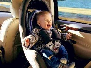 Фото: Полтавських водіїв хочуть змусити використовувати дитячі автокрісла