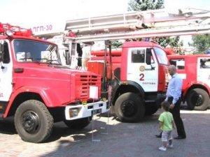 Фото: У Полтаві пройшла виставка пожежної техніки