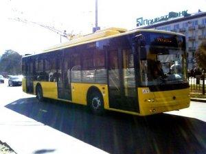 Фото: У Полтаві випробовують новий тролейбус