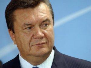 Фото: Янукович вирішив видавати українцям «Вітіну» тисячу