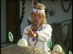 Фото: На «Битві екстрасенсів» мольфар із Полтавщини відчув життя в страусиному яйці, а проколовся на Дані Інтернешнл