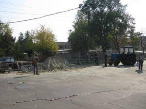 Фото: Частина вулиці Артема в Полтаві перекрита на ремонт