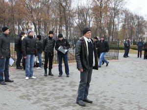 Фото: Полтавська молодь протестувала проти заборони мирних зібрань