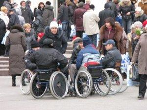 Фото: Від подарунка полтавського мера у інваліда-візочника заболіло серце