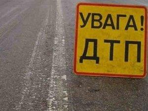 Фото: Полтавський пенсіонер на «Міцубісі» злетів у кювет і перекинувся