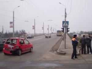 Фото: У Полтаві слизько, та дороги не посипають