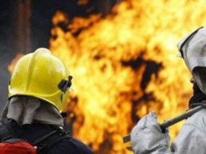 Фото: У Полтаві горіла комора багатоповерхівки