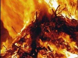 Фото: У Полтаві по вулиці Луговій гасили пожежу