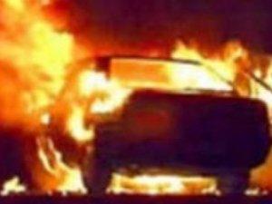 Фото: У Полтаві горіло два автомобіля, один з них належить міліціонеру: подробиці