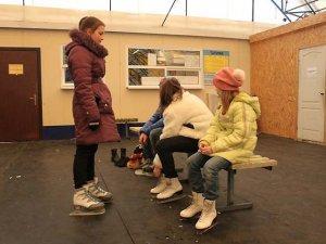 Фото: Полтавців привчали до зимових видів спорту
