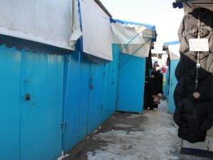 Фото: Через морози ринок в Полтаві працює за скороченим графіком