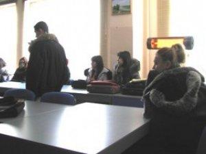 Фото: Через морози студентів одного з полтавських вишів відправили на канікули