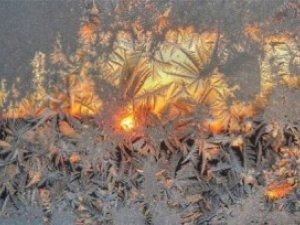Фото: Сьогодні зверніть увагу на морозні візерунки на вікнах