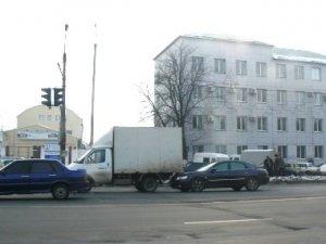 Фото: У Полтаві зіткнулись легковик із вантажівкою (фото)