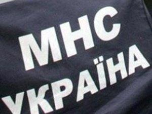 Фото: Полтавські рятувальники визволяли пенсіонерку з власної квартири
