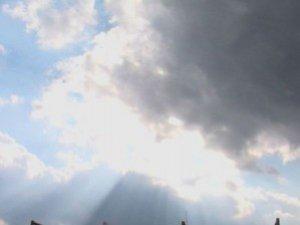 Фото: Сонце і хмари сьогодні підкажуть погоду