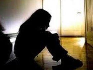Фото: У Полтаві знайшли 12-річну нетверезу дівчинку, яка жодного разу не була у школі