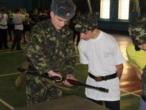 Фото: Тема тижня. Полтавським сиротам показали армію