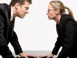 Фото: Тема тижня. У Полтаві на 8 березня американці сперечатимуться про жінок