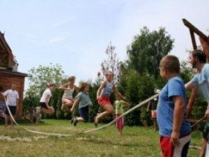 Літо 2012: де полтавські діти зможуть оздоровитись