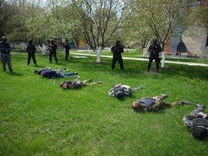 Фото: Теракти в Дніпропетровську: полтавська міліція посилювати увагу не буде