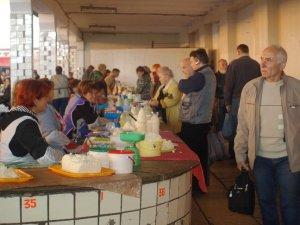 Фото: Як купити на ринках Полтави не зіпсований продукт